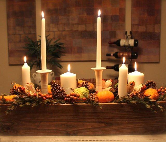 déco-table-Noël-rustique-bougies-blanches-bac-bois
