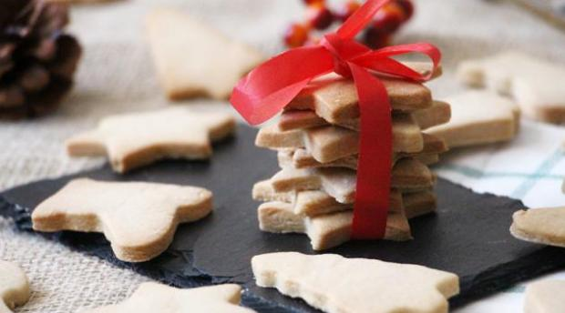 recette-simple-de-biscuits-de-noel-22669434