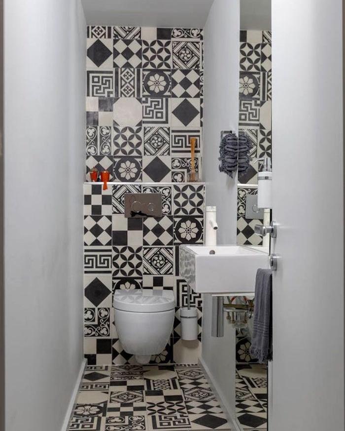 ordinaire-idee-couleur-peinture-salle-de-bain-14-toilette-noir-et-blanc-d233co-toilettes-peinture-toilette-wc-original-700x873.jpg