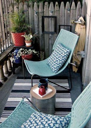 petit-balcon-gris-et-vert-cosy