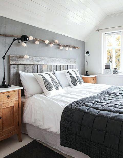 deco-chambre-campagnarde-guirlande-lumineuse-en-bois-flottac-au-dessus-du-lit-charente-maritime-tourisme-idee-deco-chambre-campagnarde