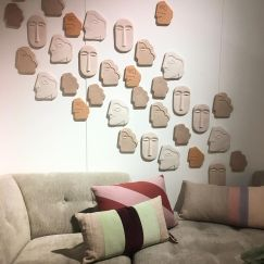 ornement-mural-ceramique-hk-living-tendance-visage-decoration